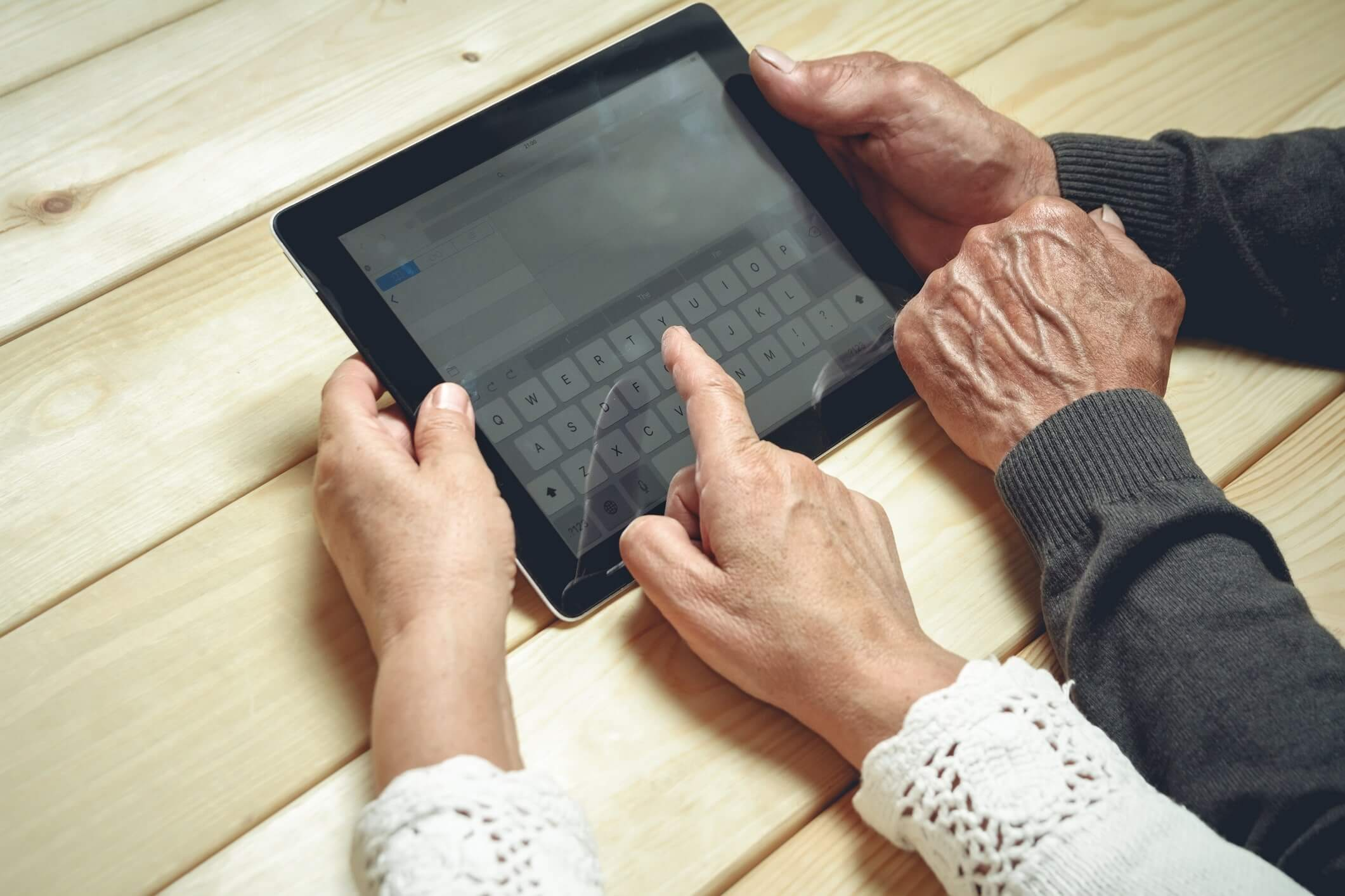 How tech helps seniors overcome the COVID-19 challenges
